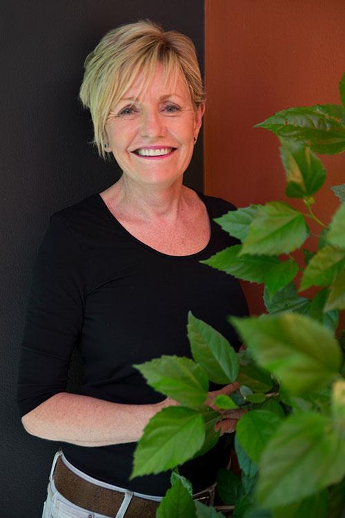 janine mendel profile picture