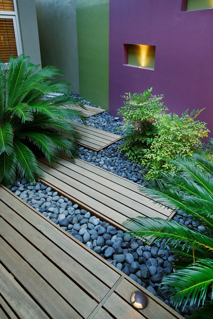 Subi Centro Courtyard design with decking and plants